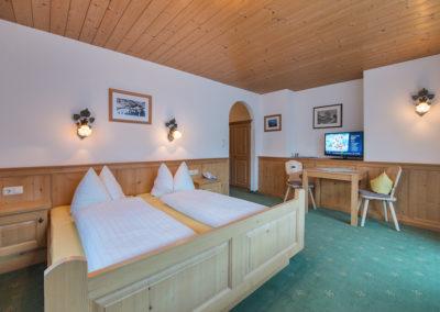 haus-moostal-2-zimmer-unterkunft-in-st-anton-am-arlberg