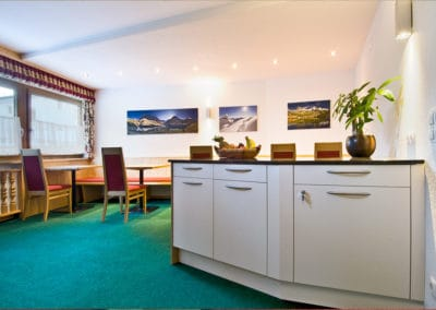 haus-moostal-essen-fruehstueck-zimmer-appartements-in-st-anton-am-arlberg